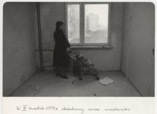 Odwiedziny w przyszłym domu. Zamiany 15. Fot. Mariusz Hermanowicz, 1978 © M. Hermanowicz / Fundacja Archeologia Fotografii