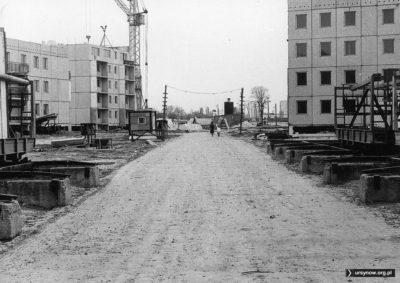 Powstają najbardziej kameralne bloki z wielkiej płyty: 2-3 piętrowe domy przy Kopcińskiego i Przybylskiego. Fot. Andrzej Kubik