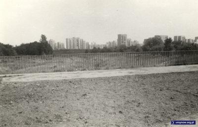 Dolina Służewiecka widziana od strony ulicy Puławskiej. Tu lata lecą i nic na szczęście się nie zmienia. Fot. Maciej Mazur.