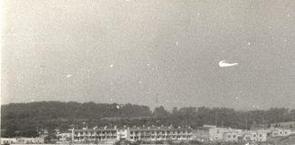 Osiedle domków jednorodzinnych z wielkiej płyty przy Rosoła widziane od strony Koncertowej. Fot. Maciej Mazur