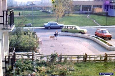 Pawilon na Nugat widziany z balkonu przy Kopcińskiego. 1990, nad. Barbara Mijakowska
