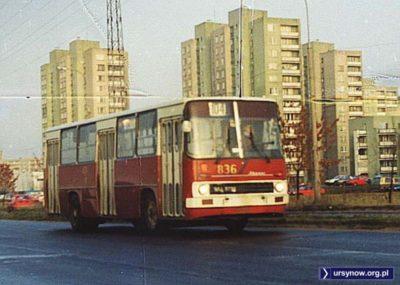 Autobus 104 porzucił już Nowoursynowską, teraz wozi powietrze Ciszewskiego. Fot. Przemysław Figura, dawny serwis www.przegubowiec.com