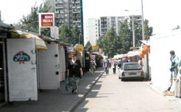 Moda męska, Morliny, Algida i Citroen CX - lux wóz. Targowisko Na Skraju. Fot. Andrzej Kubik.
