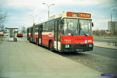 Przegubowiec (.com) Volvo na pętli Natolin. 514, czyli dawny pospieszny U oczywiście. Fot. Dariusz Kalinowski.