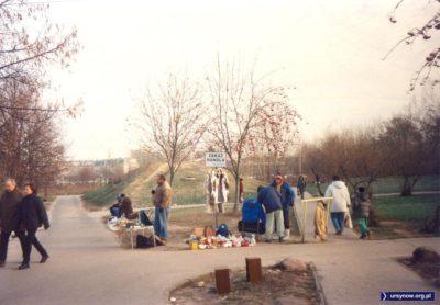 Ulica Meander, nieoficjalna część bazarku przy Braci Wagów. Fot. Piotr Klonowski.