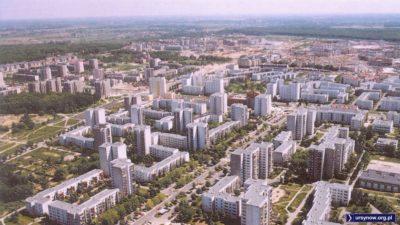 Natolin, ulica Braci Wagów, a dalej - Belgradzka. A gdzie KEN? No KEN-u jeszcze nie zbudowali. Zdjęcie z folderu Gminy Ursynów.