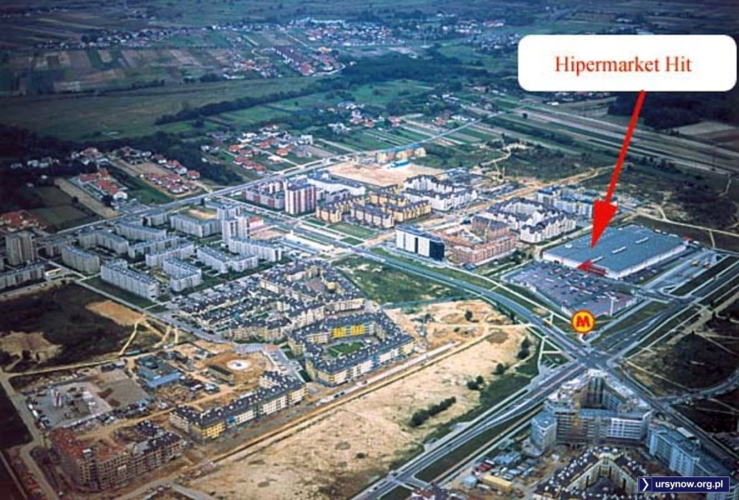 Widok Kabat w kierunku południowo-wschodnim. Szeroka ulica u dołu to KEN. Zdjęcie znalezione w sieci, autor (również tajemniczego dopisku HIT) poszukiwany.