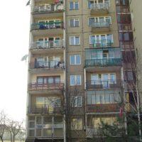 Mieszkania na parterze z transformatorem w komplecie są trochę mniejsze. Ale za to żyje się w nich bardzo energetycznie. Fot. Marcin Grzanek