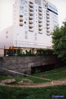 Porzućcie wszelką nadzieję, którzy schodzicie do przejścia podziemnego pod ulicą Herbsta. Stoi tak już prawie 30 lat. Fot. Maciej Mazur.