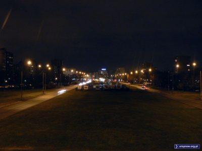 Styczeń, choć nie ma śniegu. Ursynów Północny, widok na Aleję KEN z wiaduktu Doliny Służewieckiej. Fot. Maciej Mazur.