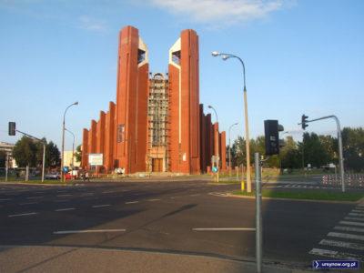 Imielin doskonale wie, kiedy ranne wstają zorze. Wstają o 6 rano, gdy karyliony na kościele św. Tomasza rozpoczynają koncert. Zdjęcie: Kuba Łuszczewski.