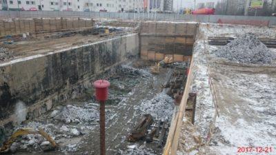 Pięknie izolowany tunel metra na budowie trasy ekspresowej. Ciekawe, czy słychać przez tę ścianę pociągi? Fot. GDDKiA.