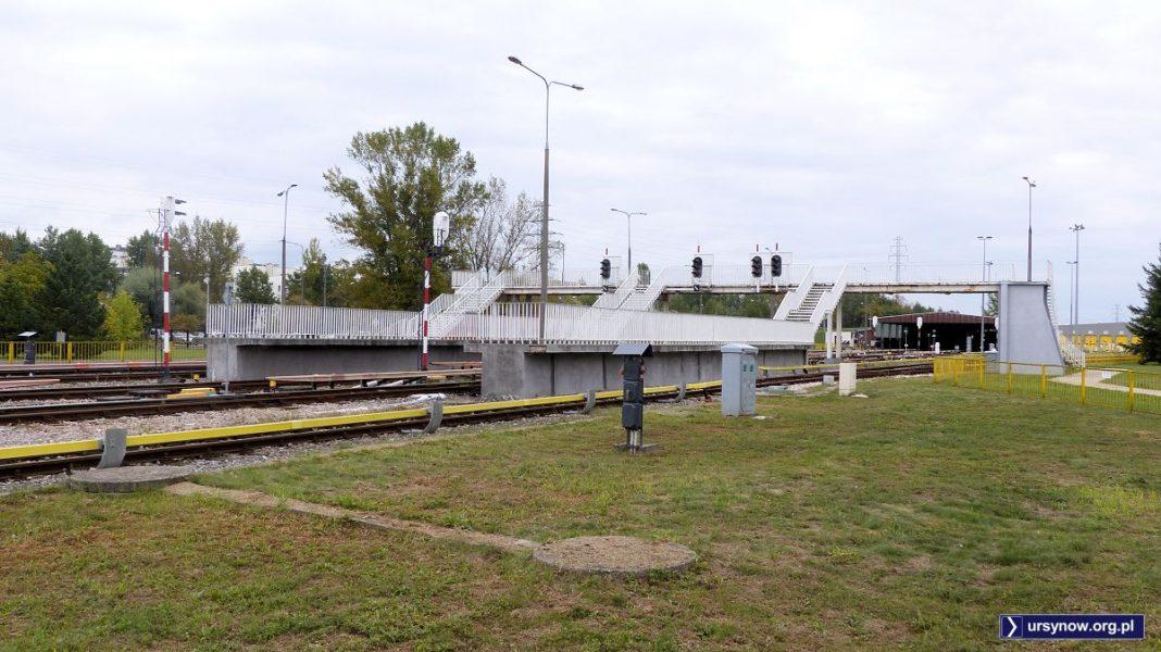 Do 2005 roku na te perony rano i po południu zajeżdżał pociąg przewożący pracowników metra. Ale teoretycznie można je wciąż wykorzystywać. Fot. Maciej Mazur