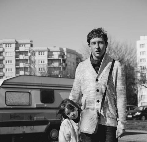 W portfolio włoskiego Vogue'a znajdziemy zdjęcia Marty Śliwak stylizowane na Ursynów sprzed 30 lat. To jest parking przy Pileckiego.