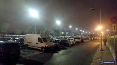 Po wymianie oświetlenia na Puławskiej zarząd parkingu osiedlowego mógł już wyłączyć swoje lampki. Są niepotrzebne. Fot. Maciej Mazur
