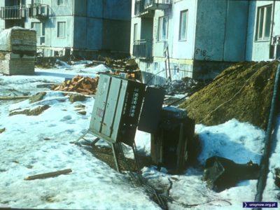 Budowa bloków przy Symfonii i bezpieczna skrzynia z bezpiecznikami. Fot. Włodzimierz Witaszewski.