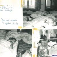 Pora spać. Słodkich snów! Przedszkolaki na klasycznych łóżkach polowych, które zna każde dziecko PRL-u. Niech się wam przyśni lepsza przyszłość! Kronika Przedszkola nr 283.
