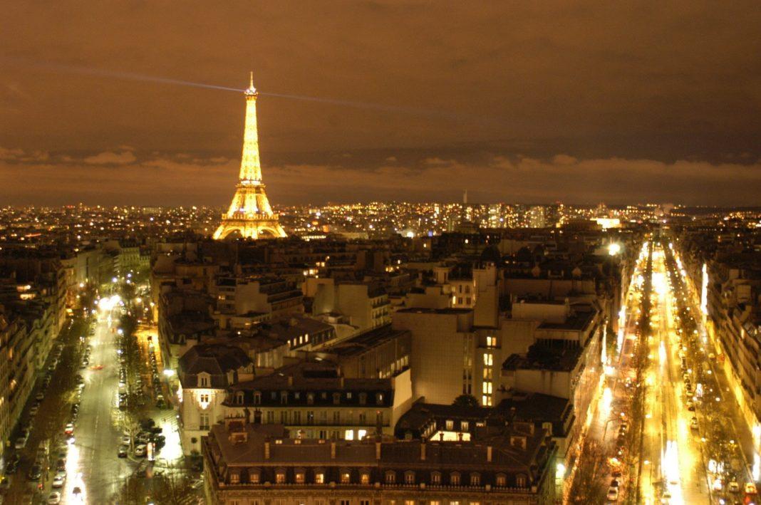 W głębokim PRL wycieczki do Paryża były tylko dla wybranych. Ale spokojnie. Namiastkę tej atmosfery i to dosłownie dawała perfumeria