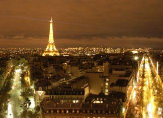"""W głębokim PRL wycieczki do Paryża były tylko dla wybranych. Ale spokojnie. Namiastkę tej atmosfery i to dosłownie dawała perfumeria """"Miss of Paris"""" na Wiolinowej. Fot. scx.hu"""