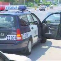 """Ford Focus jeszcze na starych numerach MOP, co oznacza, że służby wszedł, gdy idolem polskich policjantów był Olgierd Halski z """"Ekstradycji"""". Kadr z filmu promocyjnego Dzielnicy."""